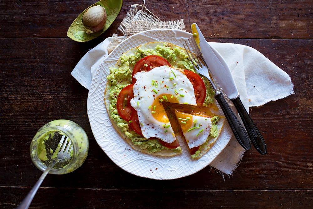 Pita with avocado and fried egg a'la fast...