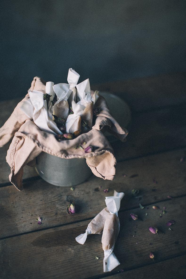 Caramels with rose petals